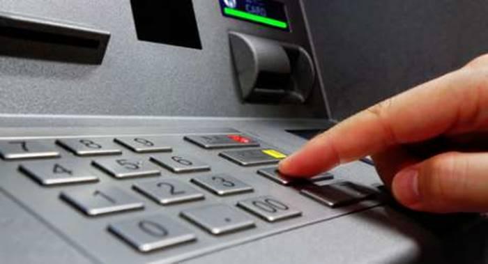 Lupa Bawa Dompet? Begini Cara Tarik Uang di ATM pakai HP