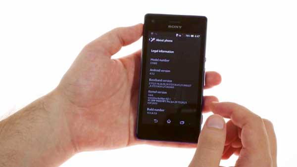 Sony-Xperia-M-hand