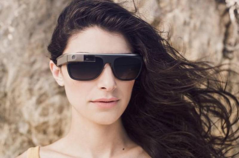models Google Glass