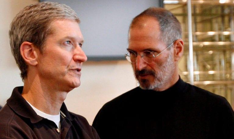 Bos Apple Ngaku Gay, Steve Jobs Jadi Korban