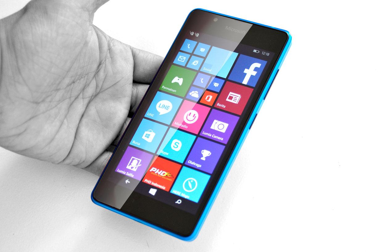 Lumia_540_design2