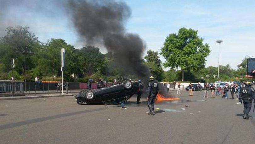 Demo Uber di Paris 2