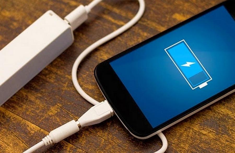 Baterai charge ponsel