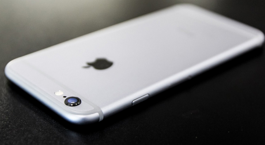 iPhone 6s jatuh Pesawat
