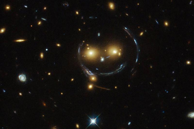 Einstein abaikan teori pemembelokkan cahaya 2