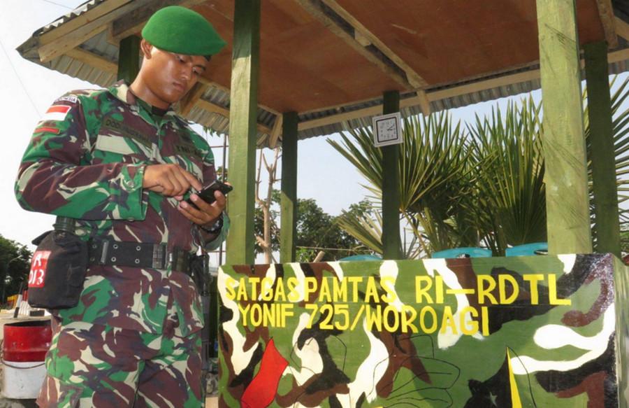 Telkomsel dan anggota TNI