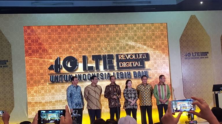 Jokowi Resmikan Jaringan 4G LTE Secara Nasional