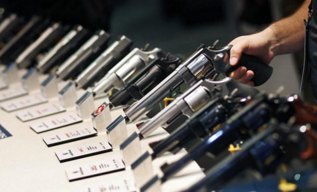 Facebook dan Instagram Haramkan Penjualan Senjata
