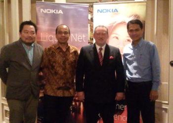Niko Steffanus Sutikno, Head of Marketing & Communication Nokia Indonesia, Leo Darmawan, Head of MBB, Nokia Network,       Robert Cattanach, Presiden Direktur Nokia, Indonesia,     Fryandi (ida farida/telset.id)