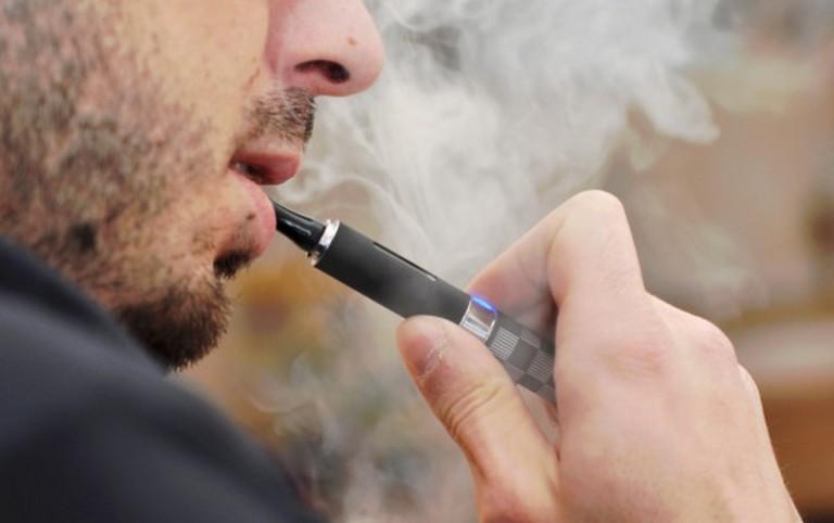 Pengguna Rokok Elektrik Lebih Beresiko Terkena Kanker