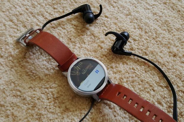 Pingin Memutar Musik dari Smartwatch Android? Ini Caranya!
