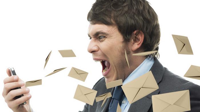 Sial! Pria Ini Dipecat karena Pakai Email Kantor