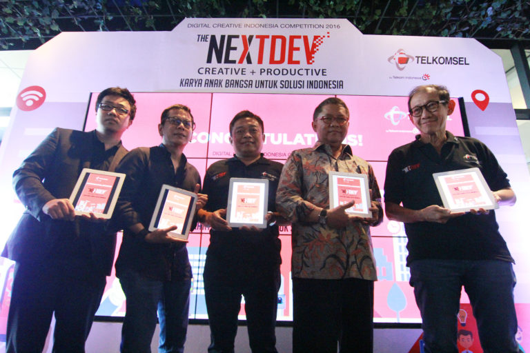 "Telkomsel Gelar ""The NextDev"" 2016"