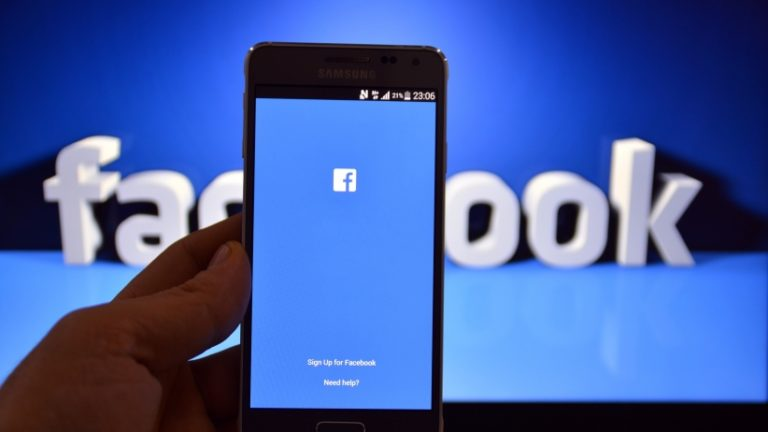 Begini Cara 'Mencekal' Orang Tak Dikenal di Facebook