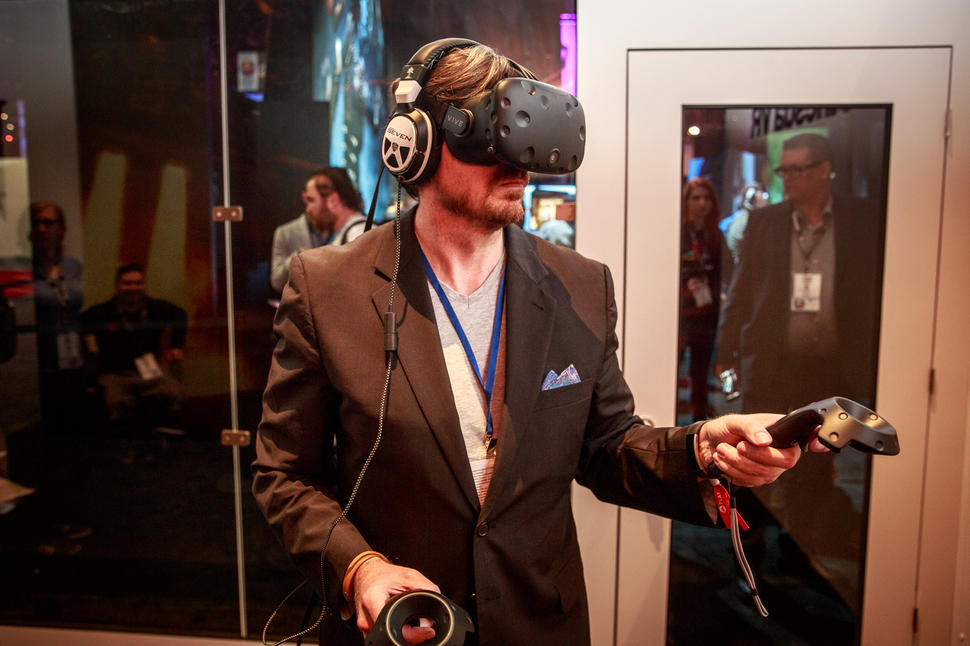 Kratos-VR-and-revamped-consoles-The-biggest-news-from-E3-2016-CNET