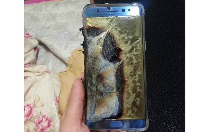 Waduh! Galaxy Note 7 Meledak Saat Charge Baterai