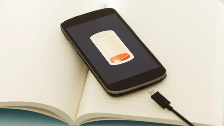 3 Cara Mengisi Daya Ponsel Lebih Cepat