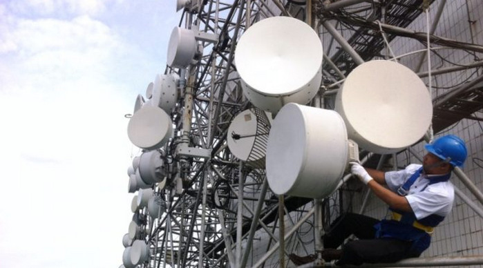 Lelang frekuensi 2.1 GHz dan 2.3 GHz Tidak Sesuai Regulasi