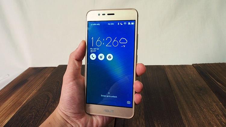 """Asus Zenfone 3 Max, """"Smartphone Powerbank"""" dalam Genggaman"""