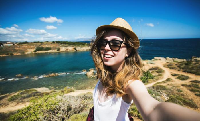 3 Tips Selfie Keren Saat Solo Traveling
