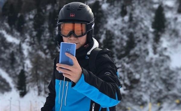 Ikuti Jejak S7 Edge, Xiaomi Mi Note 2 Juga Punya Varian Blue Coral