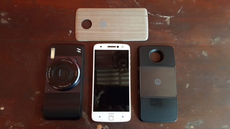 Review Moto Z: Si Tipis yang Anti-Mainstream