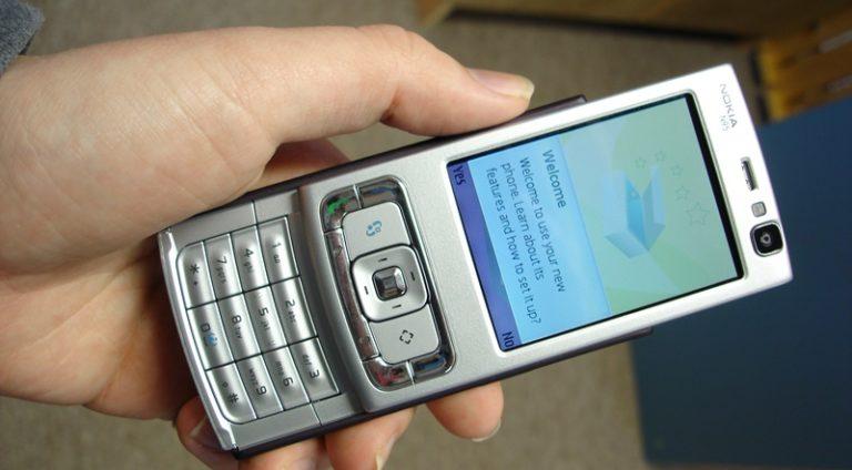 5 Smartphone Terbaik yang Pernah Jaya di Tahun 2000-an