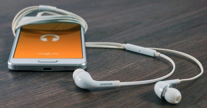 Munculkan Lirik Lagu Kesukaan di Android