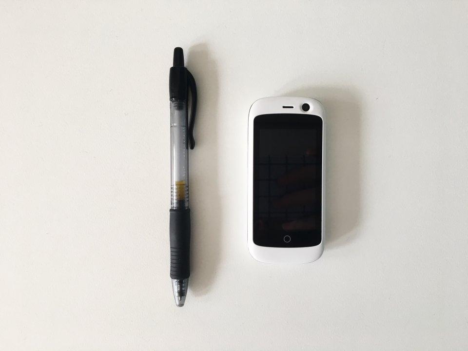 Ini Dia Ponsel 4g Terkecil Di Dunia Telset