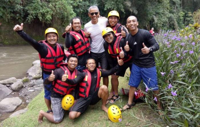 Melihat Keseruan Obama 'Rafting' di Sungai Ayung Bali