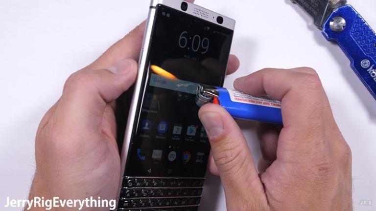 """Saat BlackBerry KeyOne """"Disiksa"""", Mampukah Bertahan?"""