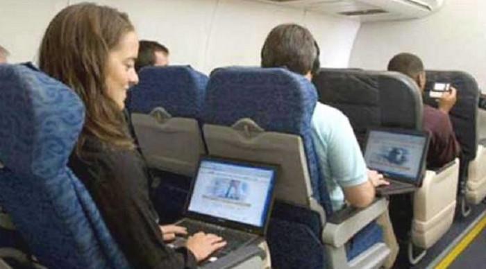 Koneksi 4G LTE di Atas Pesawat, Untuk Apa?