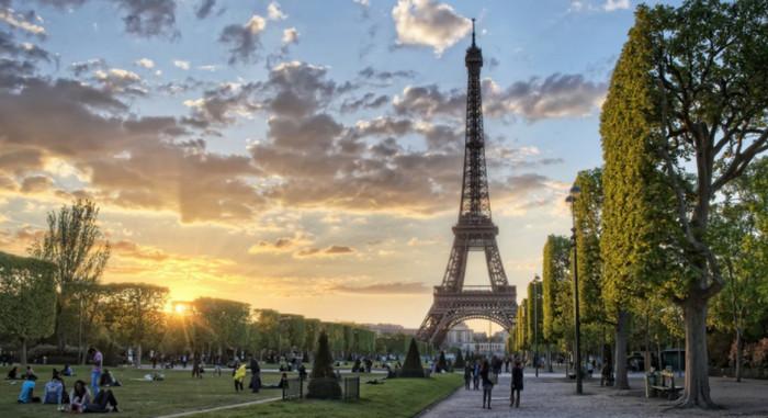 Perancis Larang Mobil Bensin dan Diesel, Kenapa?