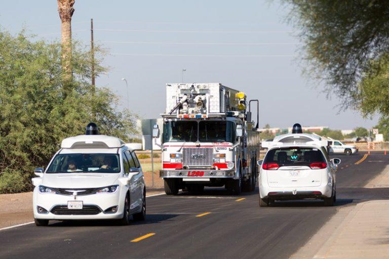 Mobil Otonom Google Bisa Kenali Suara Sirine Ambulans