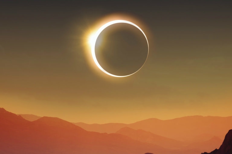 Twitter Adakan Siaran Langsung Proses Gerhana Matahari