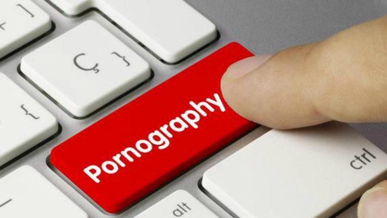 Oops! Sticker Porno di Telegram Bikin Heboh Warganet