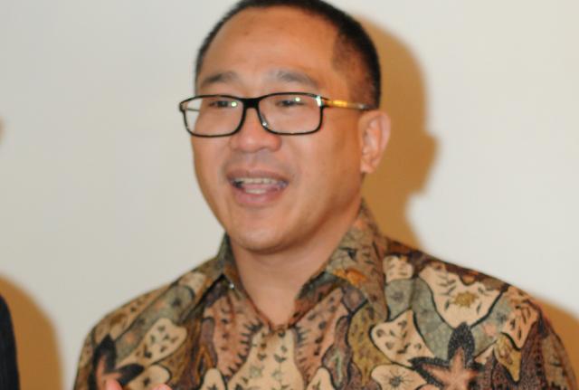 Mundur dari Indosat, Ini 'Pesan' Alex Rusli ke Pemerintah