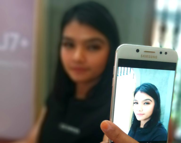 Pengalaman Pertama dengan Samsung Galaxy J7+