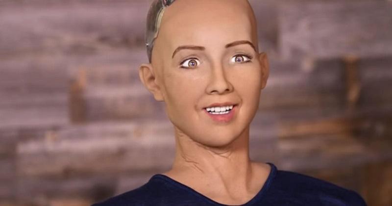 """Robot Kecerdasan Buatan yang Jadi Warganegara Arab Saudi Berkata: """"Saya Juga Punya Perasaan"""""""