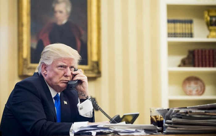 Staf Gedung Putih Dilarang Pakai Ponsel Pribadi