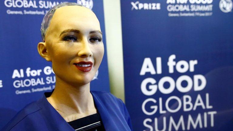 Heboh! Robot Sophia Ingin Berkeluarga dan Punya Anak