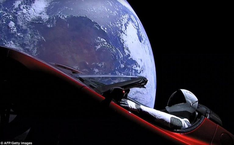 Tesla Roadster dan Starman Mulai Dekati Planet Mars