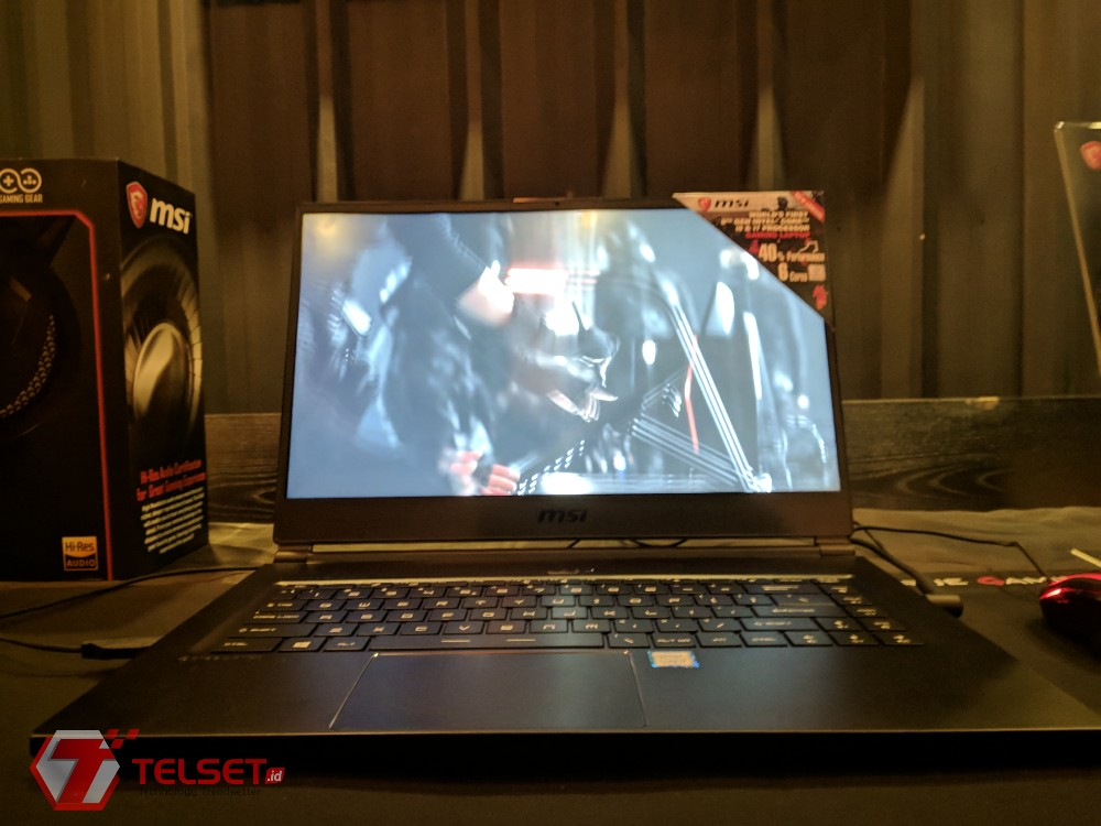 Laptop gaming paling tipis