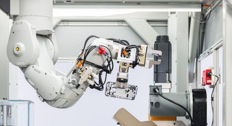 Perkenalkan Daisy, Robot Daur Ulang Bikinan Apple