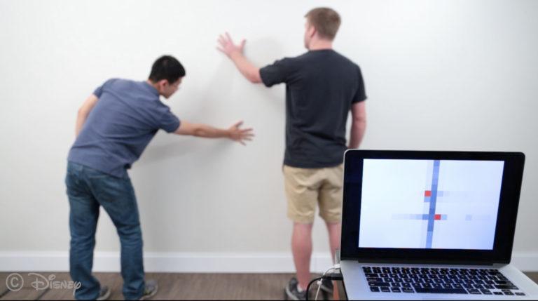 Pakai Dinding Pintar Ini, Semua Kerjaan di Rumah Beres