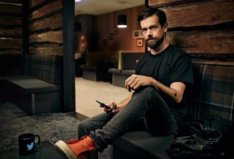Gak Punya Laptop, CEO Twitter Kerja Pakai Ponsel