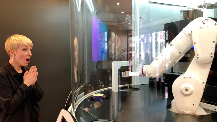 Canggih! Robot Buatan Dr Dre Ini Bisa Gantikan Tugas Barista