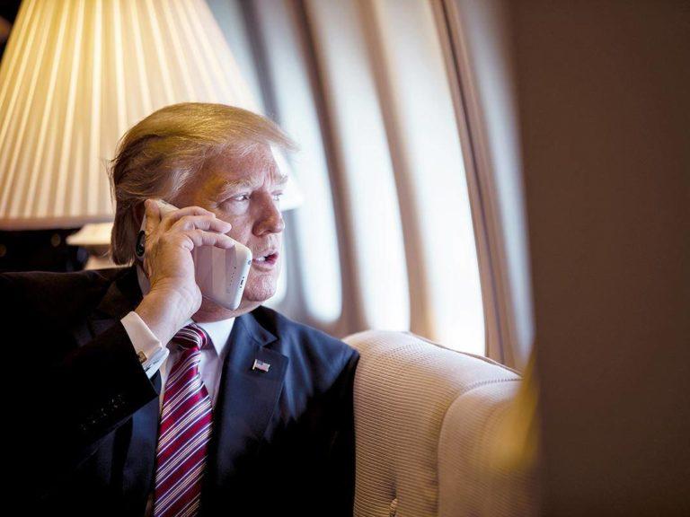 Tak Peduli Keamanan, iPhone Donald Trump Rawan Diretas
