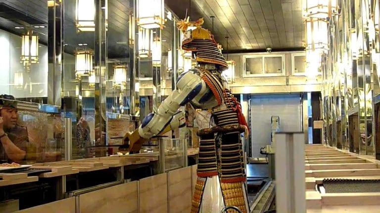Sarat Teknologi, 5 Restoran Ini Bakal Bikin Mulut Menganga!