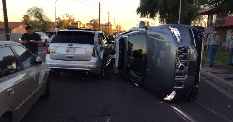 Insiden Tabrakan Mobil Otonom Uber karena Software Error